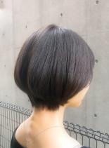 女性らしい丸みシルエットショート(髪型ショートヘア)