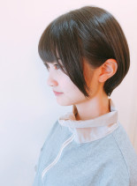小顔効果抜群のリップラインショート(髪型ショートヘア)