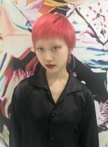 ビビットピンクショート(髪型ベリーショート)