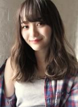 グレージュカラー☆ゆるウェーブ☆ワンレン(髪型セミロング)