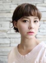 フェミニンな印象のネオマッシュスタイル(髪型ショートヘア)