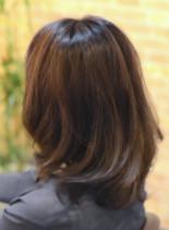 暗めカラーアメジストブラウン(髪型ミディアム)
