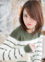 ひし形フォルムのツヤミディ(髪型ミディアム)