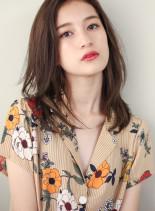 リラックスミディアムスタイル(髪型ミディアム)