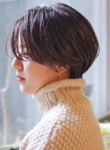 カジュアルモードスタイル(髪型ショートヘア)