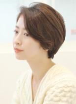 大人女性ひし形かき上げショートボブ(髪型ショートヘア)