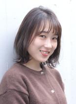 柔らかな印象のシンプルボブスタイル(髪型ボブ)