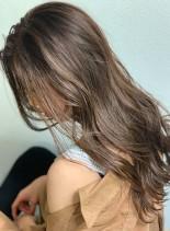 オシャレ◎ナチュラルグレージュカラー(髪型ロング)