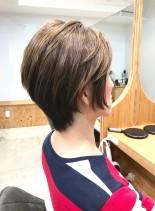 30代・40代◎ボリュームのあるショート(髪型ショートヘア)