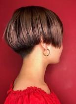 シルエット美人のお手入れ簡単ショートボブ(髪型ショートヘア)