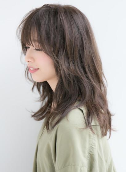 大人可愛いひし形レイヤーパーマスタイル(髪型セミロング)