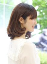 大人女性にオススメ艶髪ミディアムスタイル(髪型ミディアム)