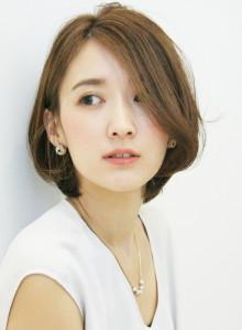 30代〜の美シルエット耳かけボブ(ビューティーナビ)