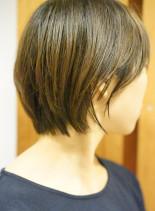 大人のくびれショート(髪型ショートヘア)