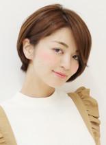 シンプル大人女性のショートボブ(髪型ショートヘア)