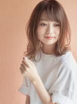 外ハネミディ(髪型ミディアム)