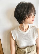丸みかわいい小顔ショートグラデーション(髪型ショートヘア)