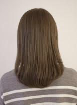 ナチュラルセミロング(髪型セミロング)