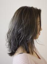 外国人風セミディ(髪型セミロング)