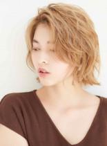ショートウルフ×ハイトーン(髪型ショートヘア)