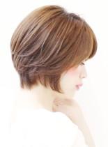 30代からの前下がりショートボブ(髪型ショートヘア)