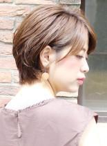 30代40代耳かけショートボブ(髪型ショートヘア)