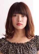 ナチュラルレイヤー(髪型ミディアム)