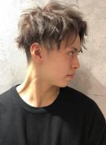 アッシュグレー2ブロックフェードスタイル(髪型メンズ)