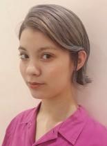 シルバーアッシュ(髪型ショートヘア)