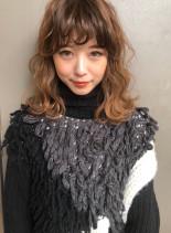 ふわふわウェーブシースルーバング(髪型ミディアム)