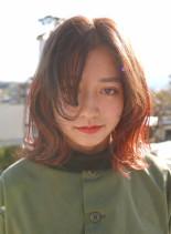サーモンピンクグラデーション(髪型ミディアム)