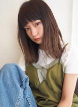 外ハネロブ(髪型ミディアム)