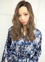 柔らかベージュヘアー(髪型ロング)