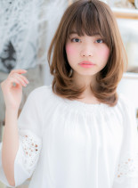 重めスタイルの進化形!ツヤミディ(髪型ミディアム)