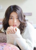外国人風ミディパーマ(髪型ミディアム)