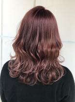 ピンクバイオレットカラー(髪型セミロング)