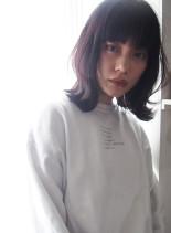 アッシュ外ハネミディ(髪型ミディアム)