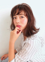 リラックスミディアム(髪型ミディアム)