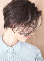 クールでムードのあるピクシーショートボブ(髪型ショートヘア)