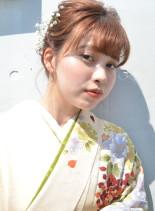 抜け感シニヨンアレンジ(髪型ミディアム)