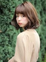 春人気のシナモンベージュ(髪型ボブ)