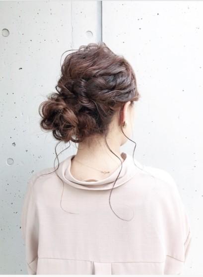 結婚式・お呼ばれシニヨンアレンジ(髪型セミロング)