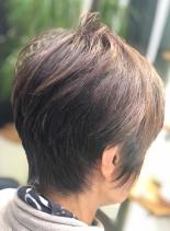 頭の形をよく見せるショートスタイル(髪型ショートヘア)
