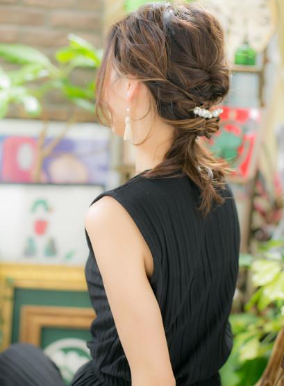 大人かわいい美シルエット ルーズアレンジ(髪型ミディアム)