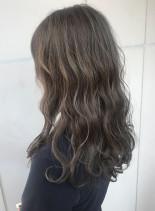 質感シルバーグレージュ(髪型ロング)