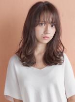 ラフなカジュアルスタイル (髪型セミロング)