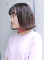 シンプルな大人の外はねスタイル(髪型ボブ)