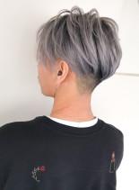 ホワイトシルバー×men'sスタイル(髪型メンズ)