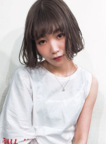 ブリーチ+ヨーロピアングレージュ(髪型ボブ)