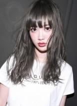 ハーフブリーチ+ホワイトブラウン(髪型ロング)